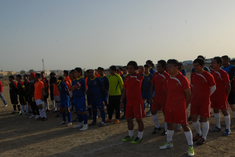 Surabaya FC (merah): Ditinggal pemainnya yang pulang kampung