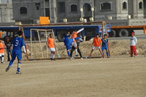 Cobra (oranye) vs Rosdiyah (biru)
